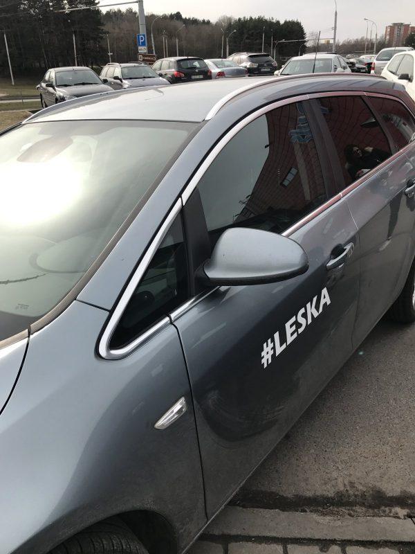 Auto lipdukai Vilniuje